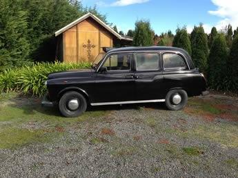 Deco City Discoverer - original London Taxi ideal for private wine tour, wedding car or transport out for dinner